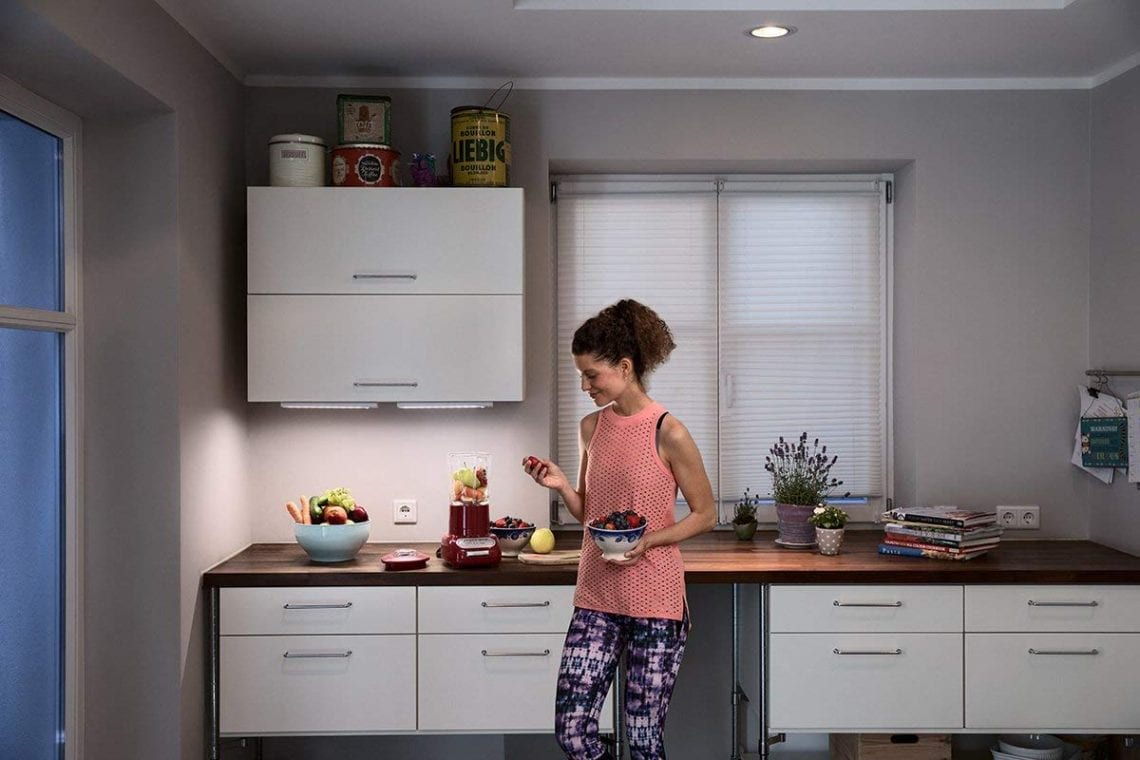 Spot Au Dessus Evier Cuisine pourquoi installer une réglette led dans votre cuisine