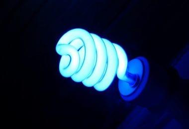 ampoule lumière noire