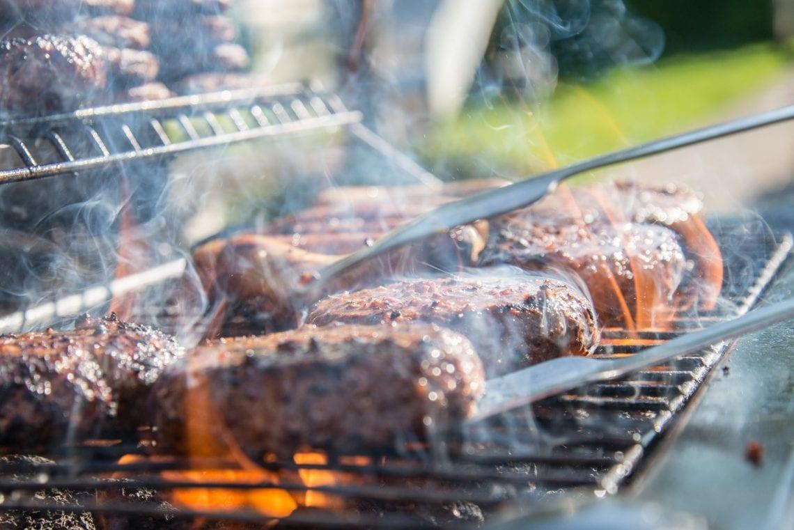 Enlever Rouille Sur Plancha En Fonte comparatifs des différents barbecue pour cet été - zone led