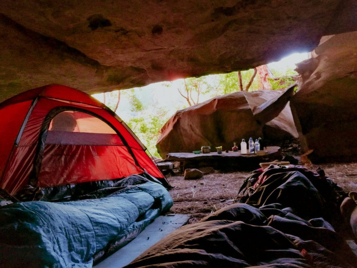 Impermeable JEAOUIA Saco de Dormir para Acampar Interiores y Exteriores Saco de Dormir para Adultos Ligero Compacto Viajes Compacto de 3 Estaciones para Senderismo