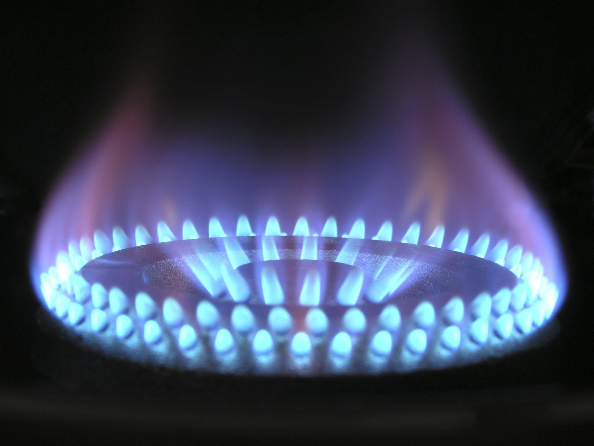Table De Cuisson Gaz Et Electricite la meilleure plaque de cuisson gaz ? explications et avis